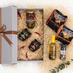 Chilli-Relishes-Snacks-Oils-Gourmet-Gift-Hamper World