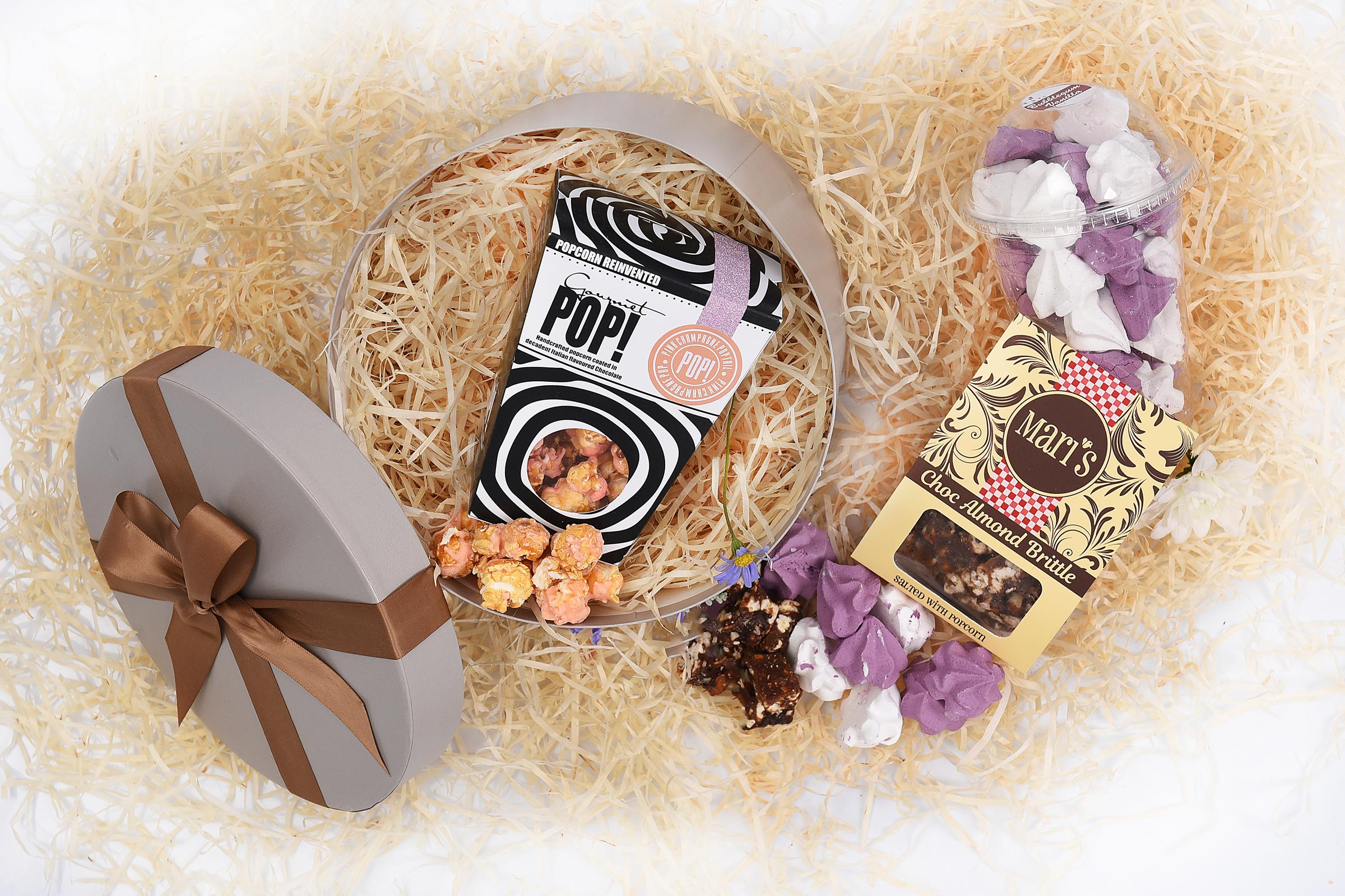 Baby Announcements Popcorn-Brittle-Meringues-Sweets-Gift-Hamper-World