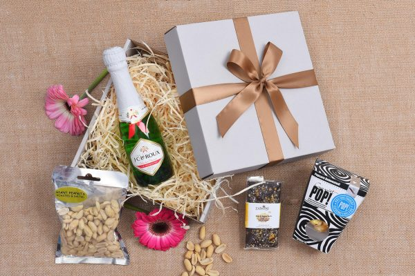 Sweets & Bubbly Gift Hamper | Hamper World