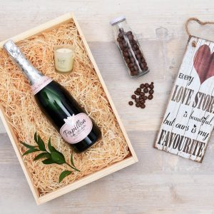 Baby announcements Bubbly-Romantic-Gift-Hamper-World