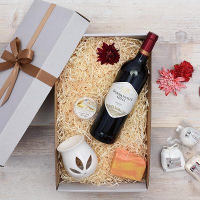 Red Wine Gift Hamper & Bath and Body Products | Hamper World