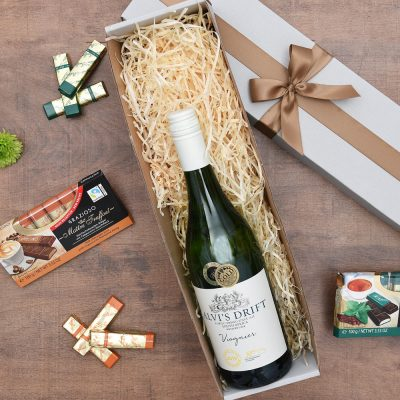 White Wine Gift - Alvi's Drift & Chocolates | Hamper World