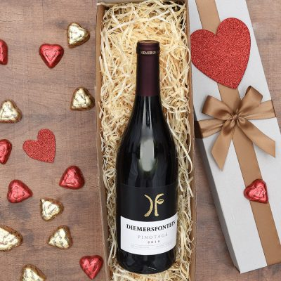 Chocolates Gift Set With Red Wine | Hamper World
