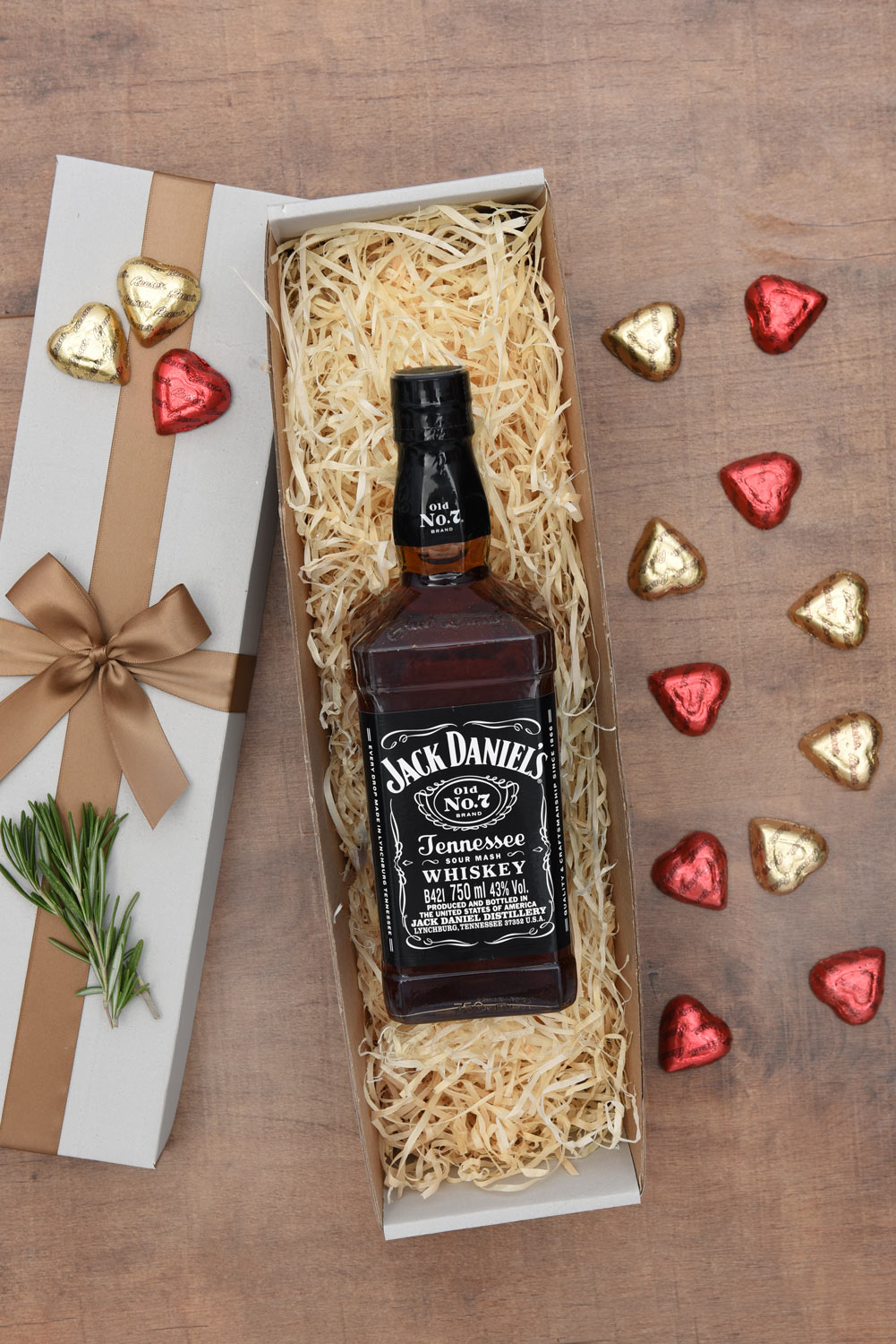 Jack Daniels Gift Set With Chocolates | Hamper World