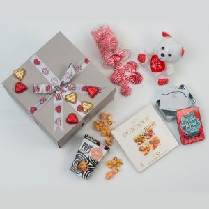 Valentine's Day Ladies' Gift - Mementoes & Sweets | Hamper World