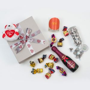 Mini Bubbly Gift with Chocolates and Candle | Hamper World