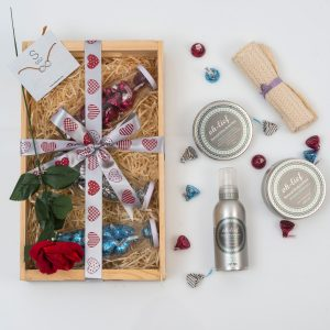 Pamper Hamper With Chocolates & Bracelet | Hamper World