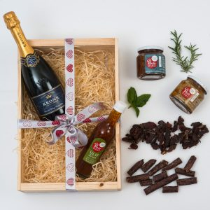 Pronto Mama Gourmet Food Hamper with Bubbly | Hamper World
