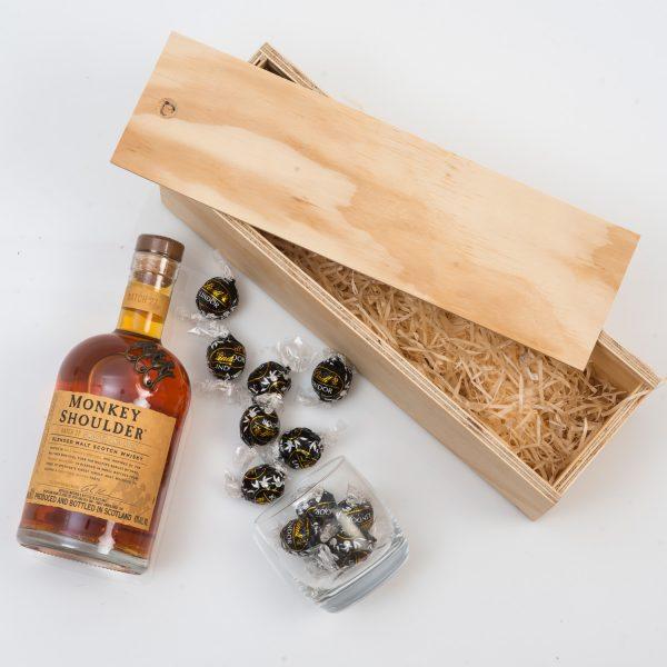 Valentines-Gift-For-Him-Whisky-Lindt-Hamper-World