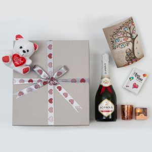 Valentine's Love Bubble Set - J.C. Le Roux & Gifts | Hamper World