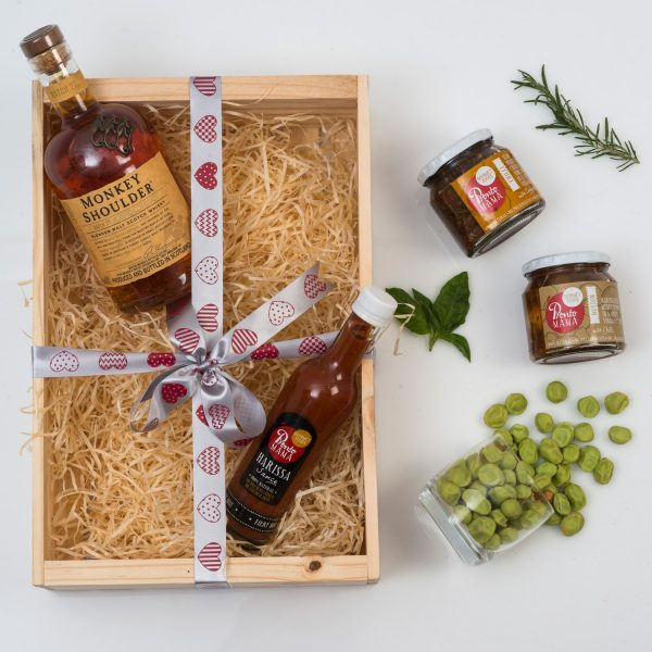 Whisky and Gourmet Food Gift | Hamper World