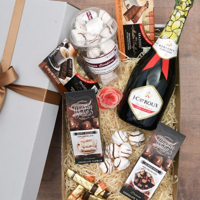 Delicious Chocolate Gift Hamper with Bubbly | Hamper World