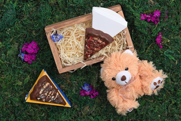 Mini-Crate-Chocolate-Teddy-Gift-Hamper-World