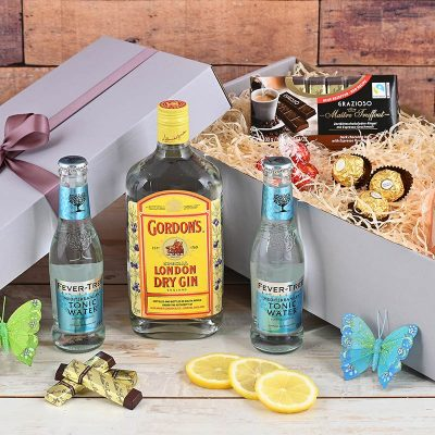 Gin Gift Hamper With Chocolates | Hamper World