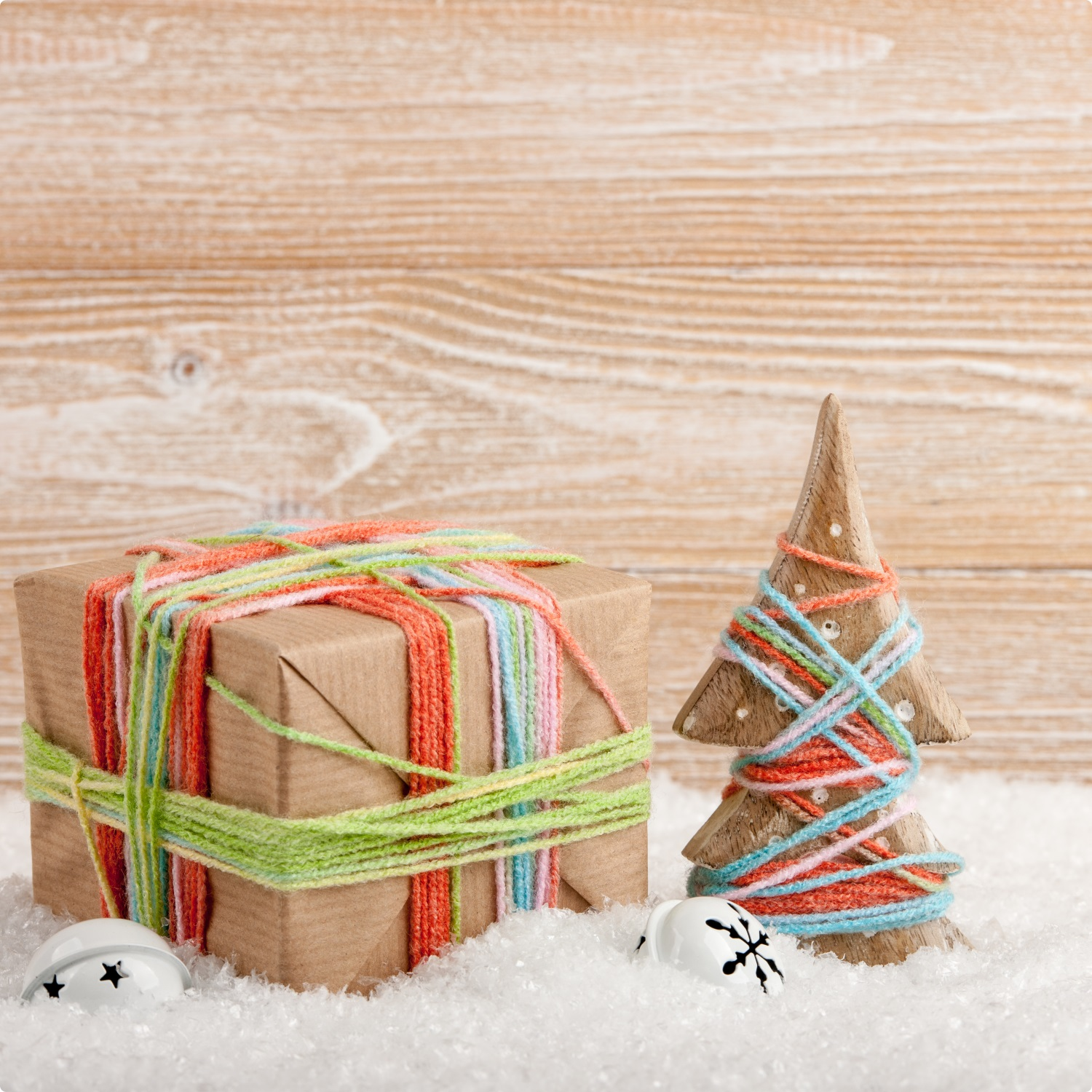 Fun-Activities-For-The-Kids-DIY-Snow-Hamper-World