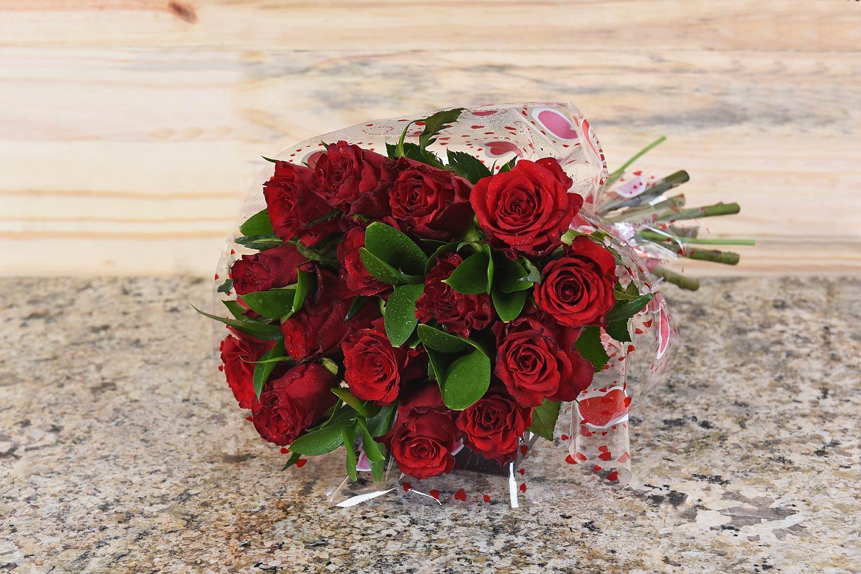 Unique Valentine S Day Gifts Flowers Hamper World