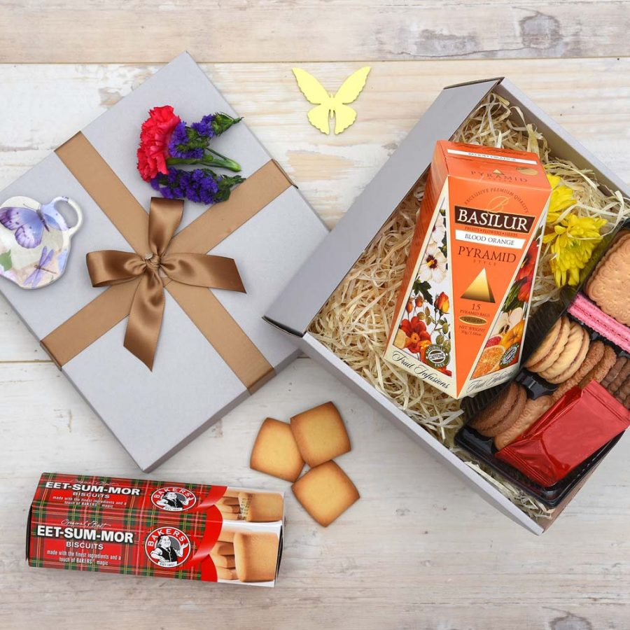 Basilur Tea Gift & Selected Biscuits Hamper | Hamper World