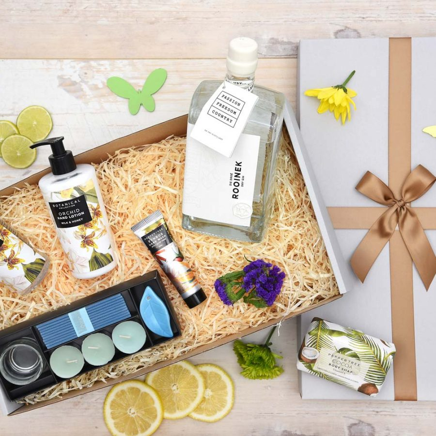Exclusive De Vry Gin Gift & Pamper Hamper | Hamper World
