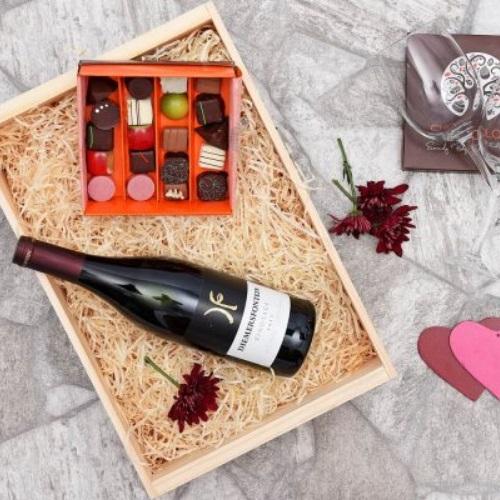 Hamper World International Gift Giving Etiquette Gifts for Japanese business partners Wine