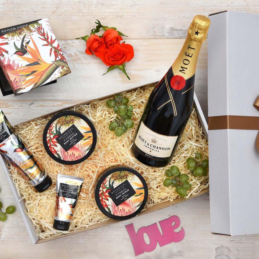 Fynbos Pamper & Champagne Hamper | Hamper World