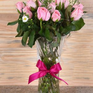 Gorgeous Pink Roses in Vase | Hamper World Florist