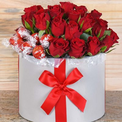 Red Roses & Lindt Chocolates Hat Box | Hamper World Florist