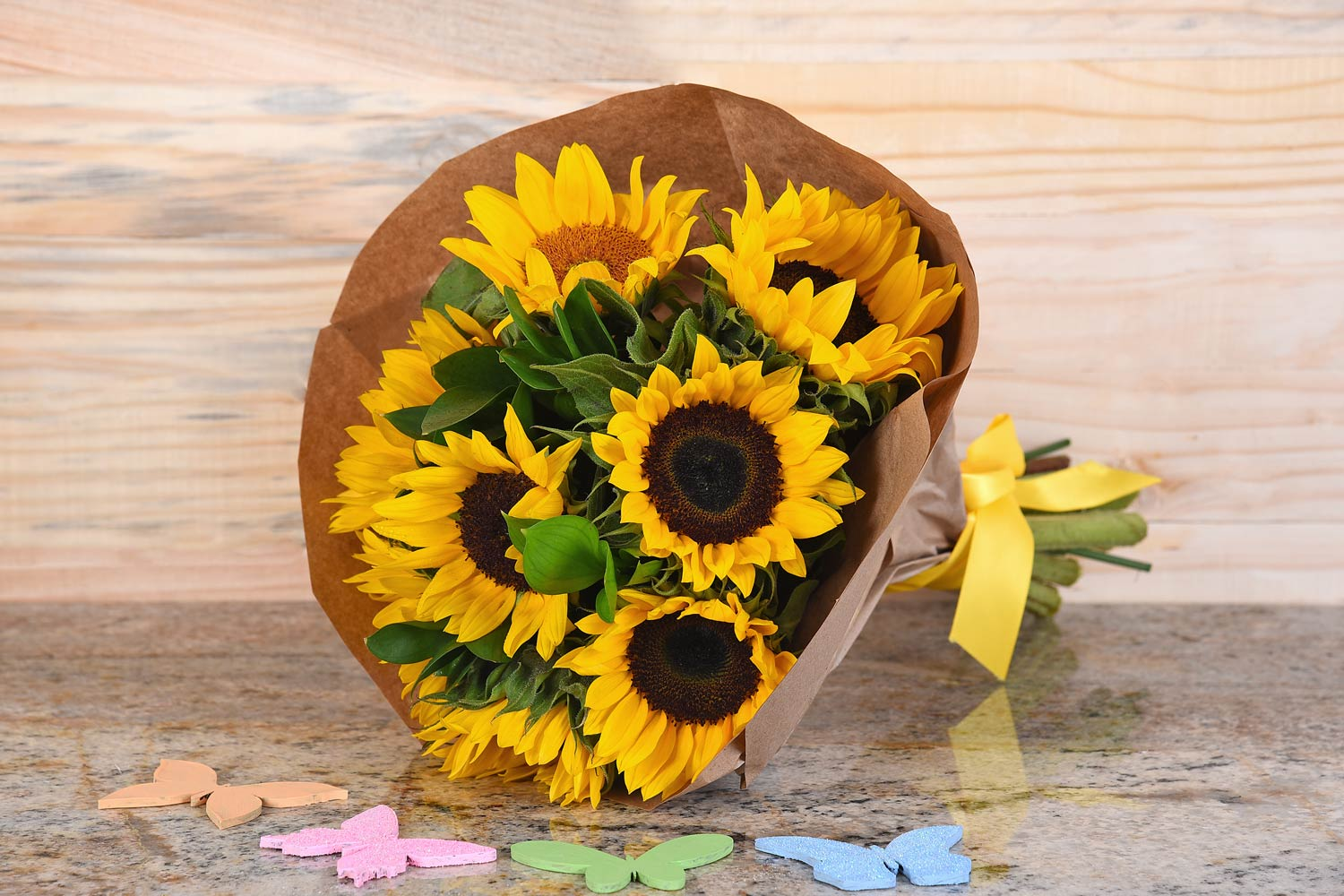 Sunflower-Bouquet-Hamper-World-Florist