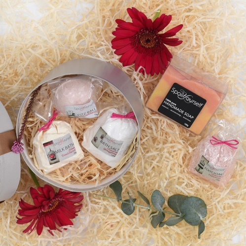 Unique Mother's Day Gifts Unique Mother's Day Gifts Spoil Yourself Pamper Hamper Mothersday Hamper World