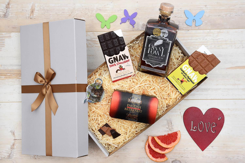 Ginny Fowl Gin & Tea Gift Hamper | Hamper World