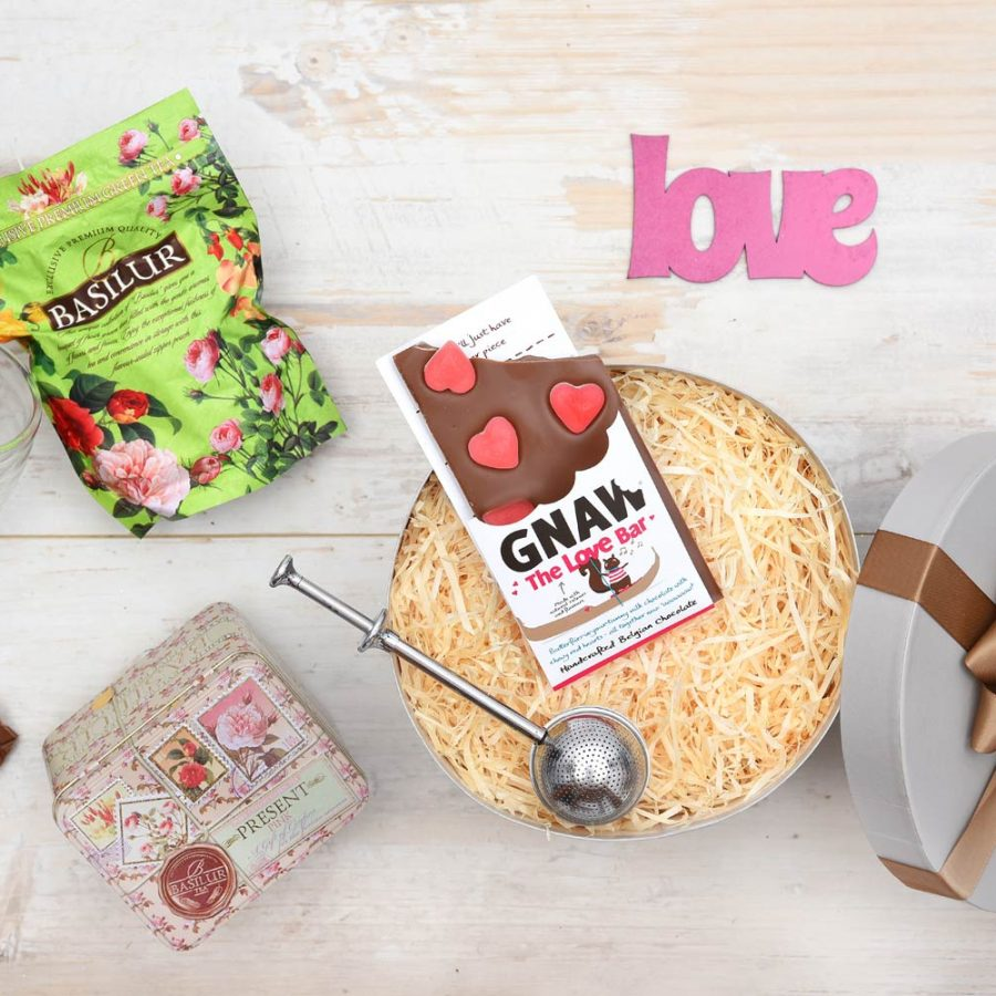 Basilur Tea Gift With Gnaw Chocolates | Hamper World