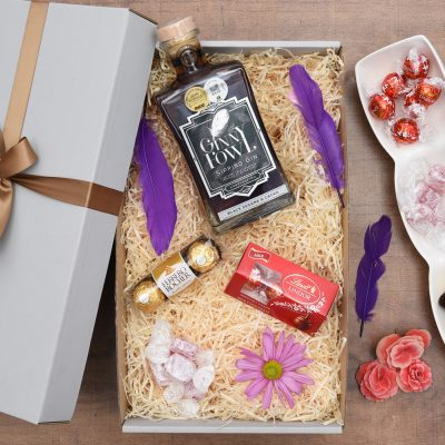Ginny Fowl Gin Gift With An Overload Of Sweets | Hamper World