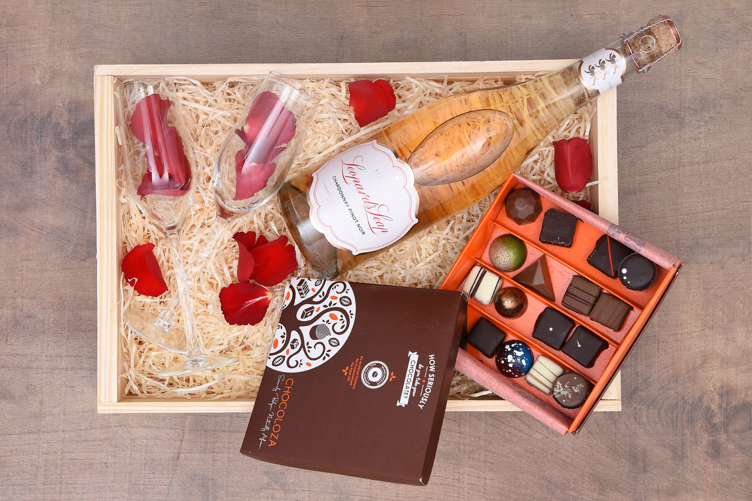 Romantic Gifts - Luxury Chocolates & Sparkling Wine | Hamper World