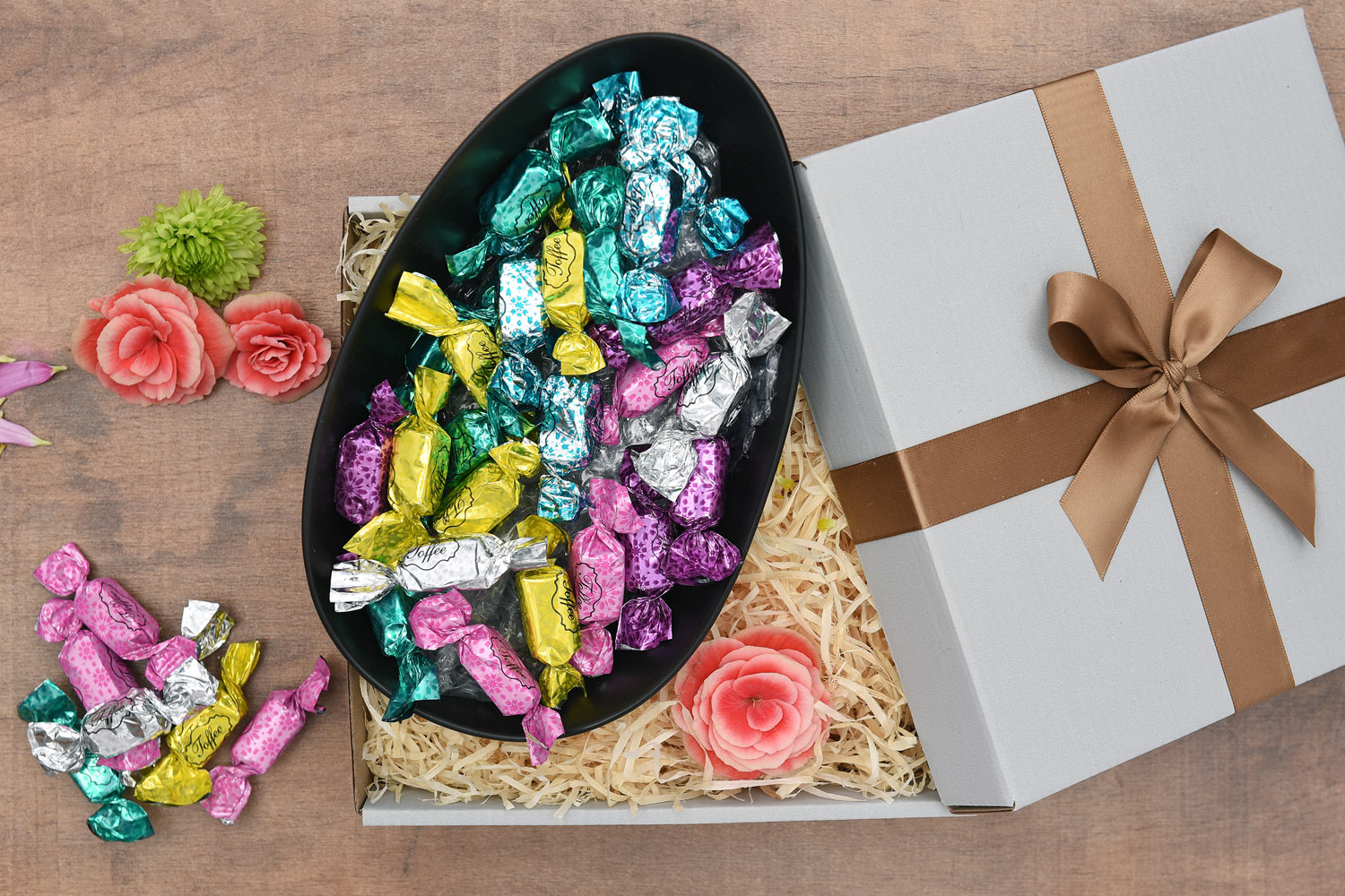 Beautiful Ceramic Bowl Filled With Sweets | Hamper World
