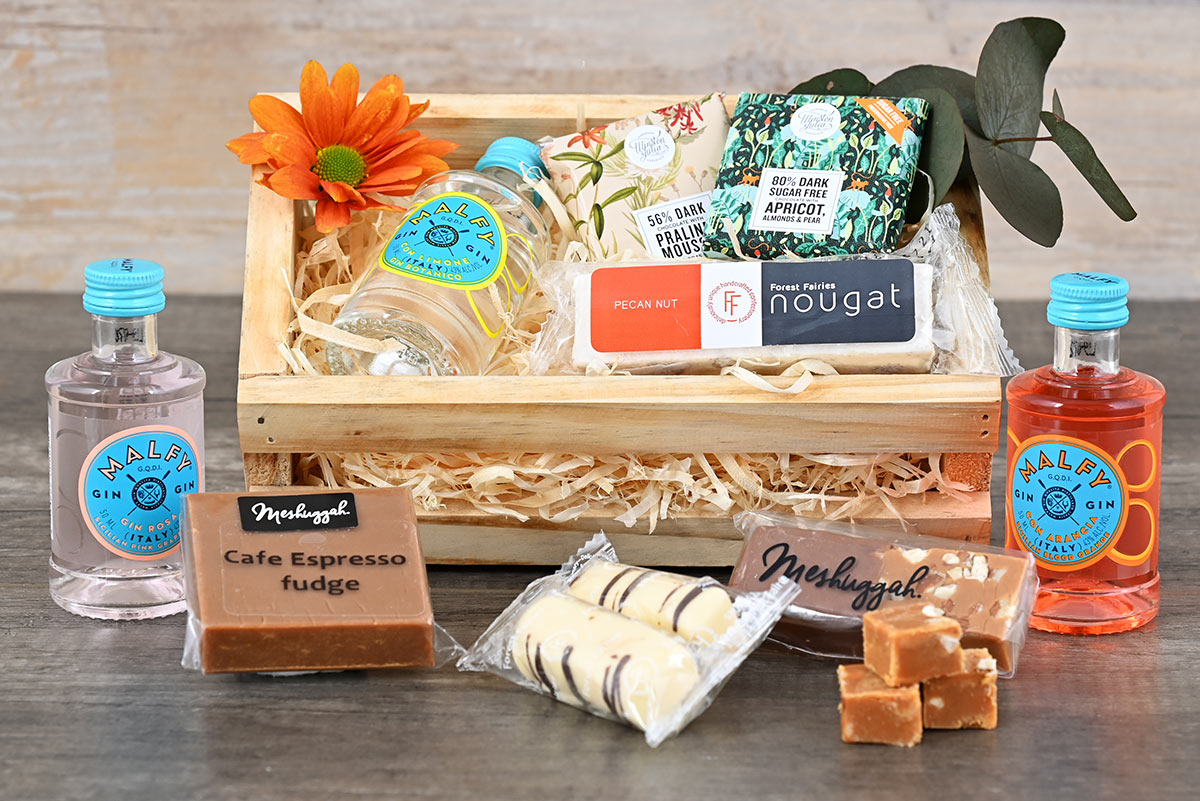 Mini Gin Sweets Crate | Hamper World