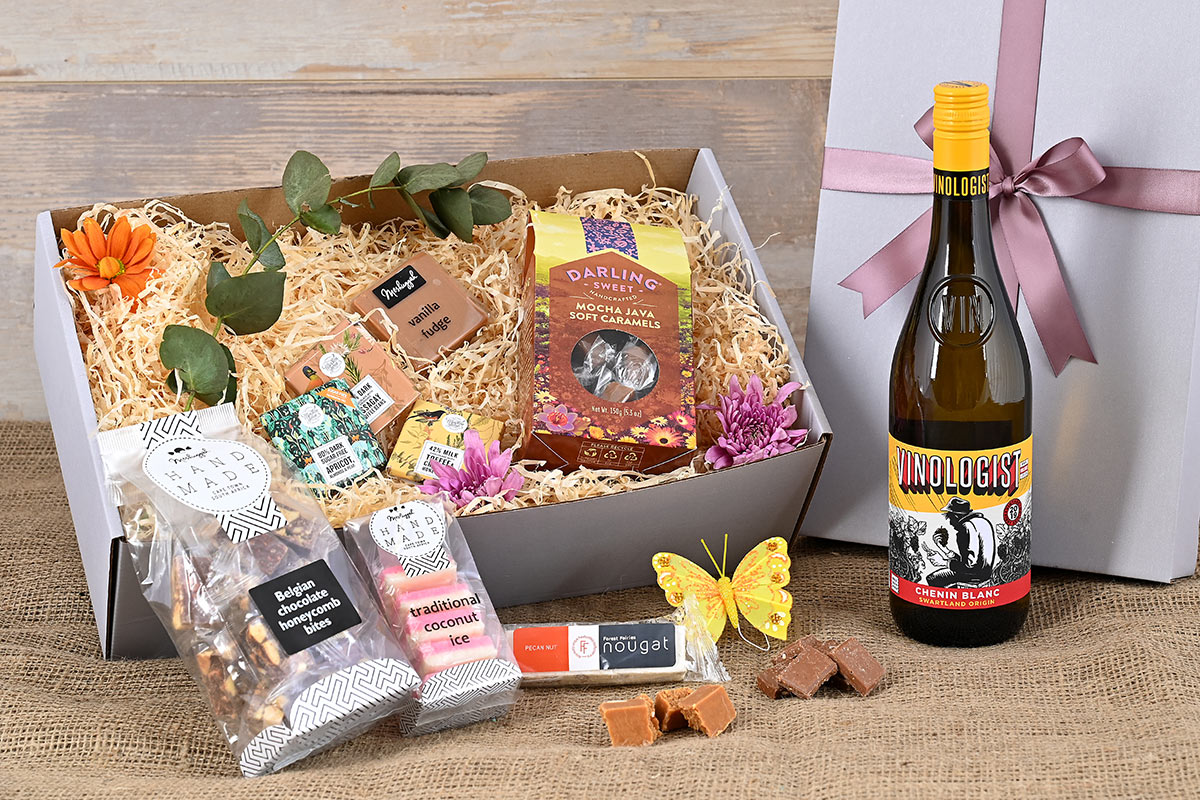 Vinologist Wine Hamper | Hamper World