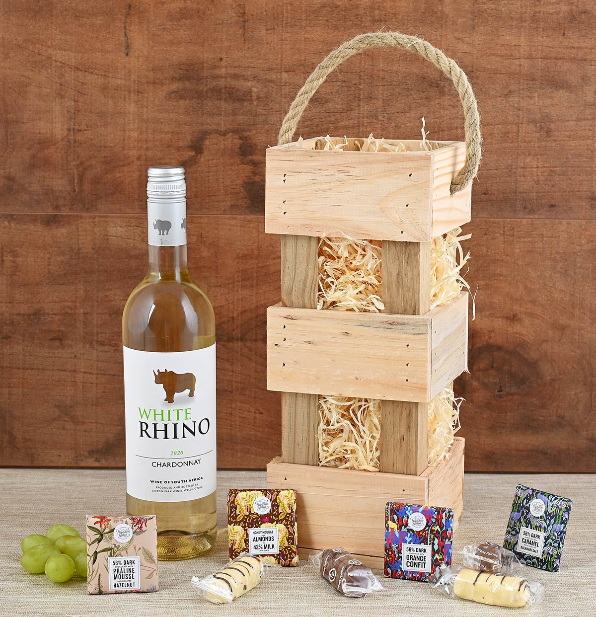 Rhino Wine in Carrier With Snacks | Hamper World
