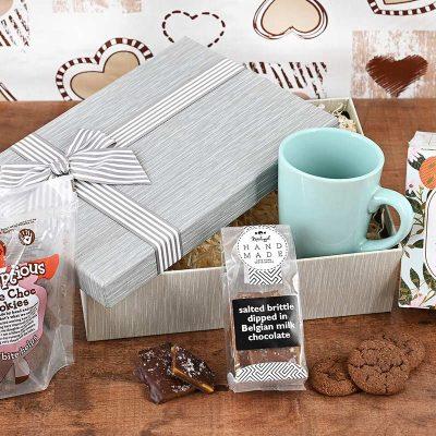 LMC Tea Hamper With Sweets | Hamper World