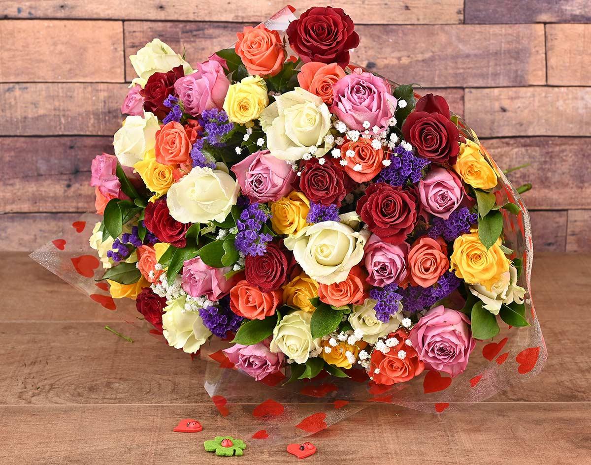 50 Romantic Mixed Roses Florist | Hamper World
