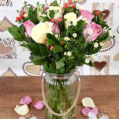 Romantic Mixed Roses in Vase Florist | Hamper World