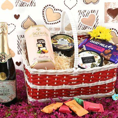 Andie MCC Basket With Sweets | Hamper World
